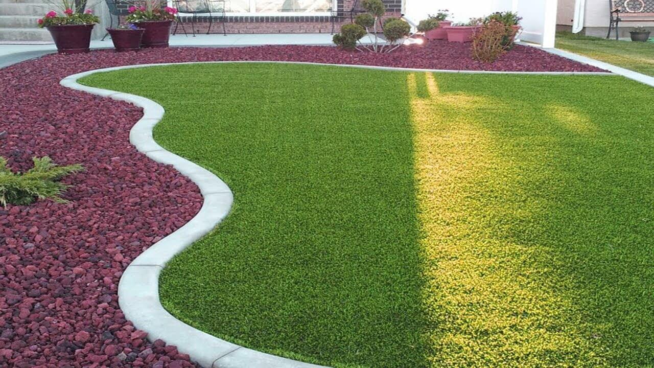 Pedra para jardim e relva sintética